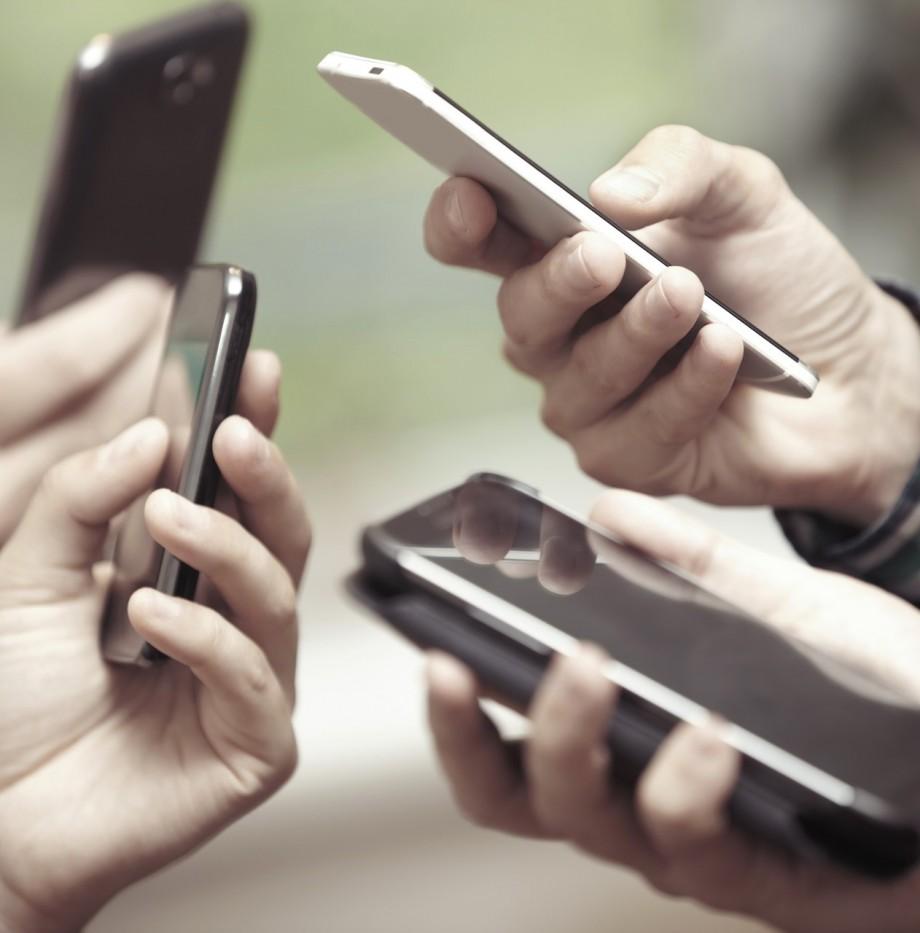 ono-y-jazztel-son-las-empresas-mas-reclamadas-en-telefonia-movil-01